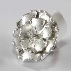 Anello a Fiore in Argento Fatto a Mano