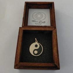 Ciondolo Oro 750 con simbolo Om Aum - Namasté